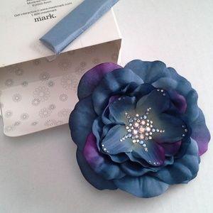 Flower Starburst Rhinestone Brooch Pin *HOST PICK*